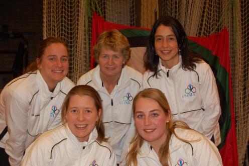 Trainsters selectie: boven vlnr: Gerda, Anneke, Erica onder vlnr: Mariët, Ilse